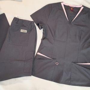 Urbane Scrub Set in Grey w/ Pink Trim size Xsmall